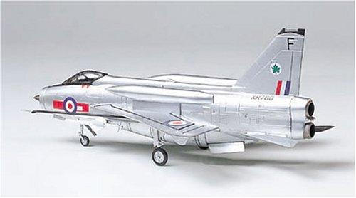 קיט הרכבה מודל מטוס קרב דגם B.A.C. Lightning F.Mk.6 סקלה 1:100 47 חלקים